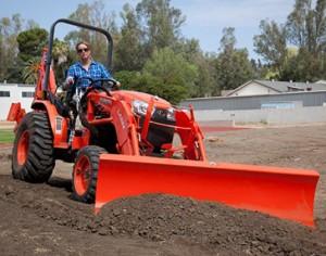 https://agropat2011.com/traktori