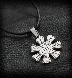 медальон от стомана